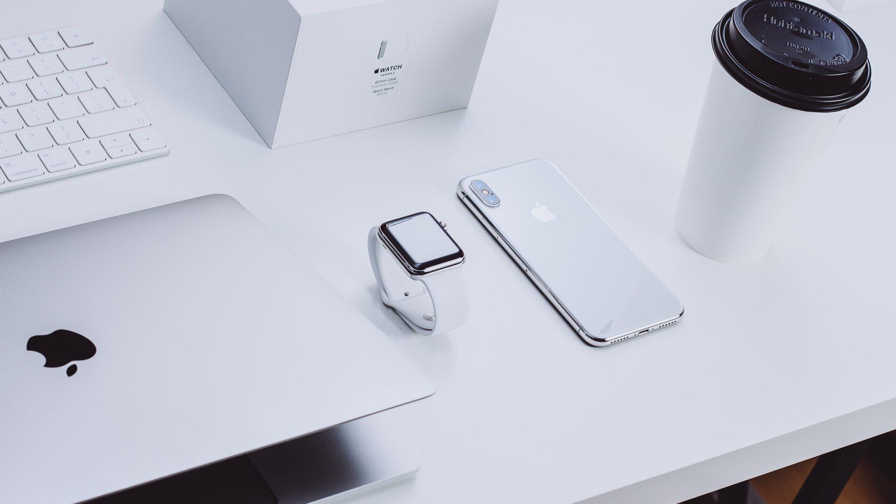 Tech / 蘋果 Macbook 和 iPhone 的螢幕解析度、尺寸比較表